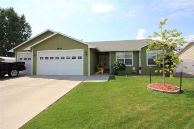 Single Family Home For Sale: 2839 Maverick Drive