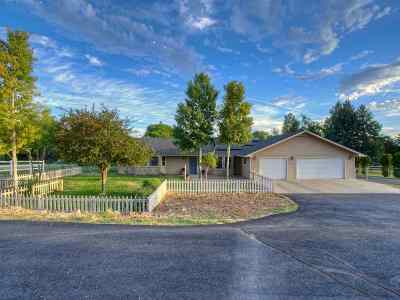 Grand Junction Single Family Home For Sale: 1992 South Broadway