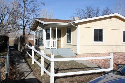 Single Family Home For Sale: 3076 Meadowvale Way