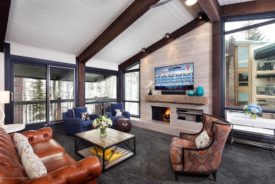 Snowmass Condo/Townhouse For Sale: 855 Carriage Way #Leaf 703