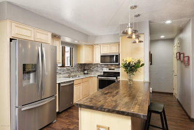 Carbondale Condo/Townhouse For Sale: 1402 Main Street #205