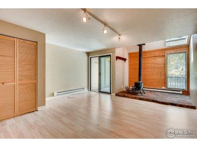 Boulder Condo/Townhouse For Sale: 1035 E Moorhead Cir
