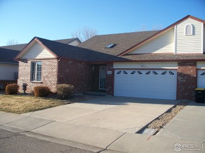 Longmont Condo/Townhouse For Sale: 1602 Oak Ridge Ln