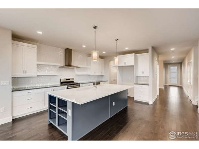 Longmont Single Family Home For Sale: 5650 Cottontail Dr