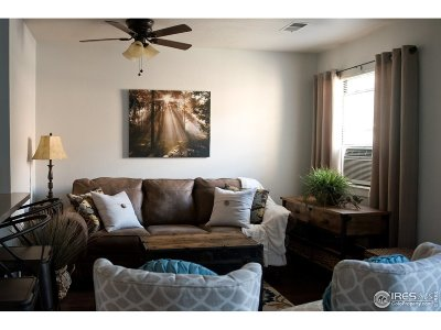 Longmont Condo/Townhouse For Sale: 225 E 8th Ave #12