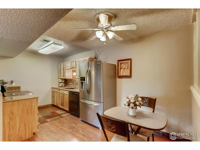 Louisville Condo/Townhouse For Sale: 1608 Cottonwood Dr #15