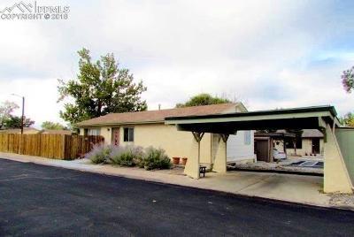 Single Family Home For Sale: 1 Heatherwood Lane