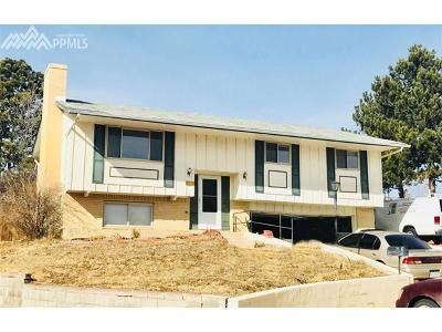 Colorado Springs CO Multi Family Home For Sale: $220,000