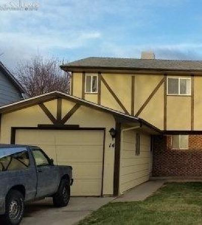 Pueblo Condo/Townhouse For Sale: 14 Castle Royal Drive