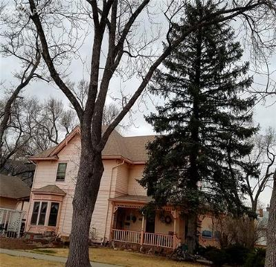 Single Family Home For Sale: 1701 W Pikes Peak Avenue