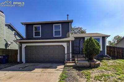 Denver Single Family Home For Sale: 13931 E Elk Place