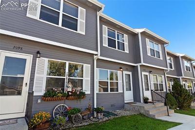 Castle Rock Condo/Townhouse For Sale: 2096 Oakcrest Circle