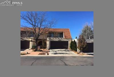 Colorado Springs Condo/Townhouse For Sale: 14505 Club Villa Drive #E