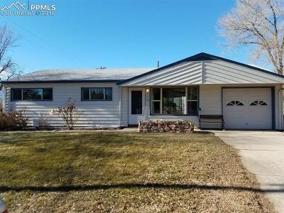 Colorado Springs Single Family Home For Sale: 213 Elmwood Drive