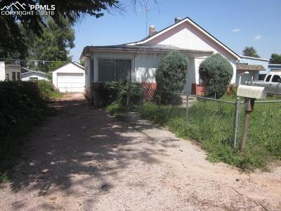 Single Family Home Under Contract - Showing: 2620 Gunnison Street