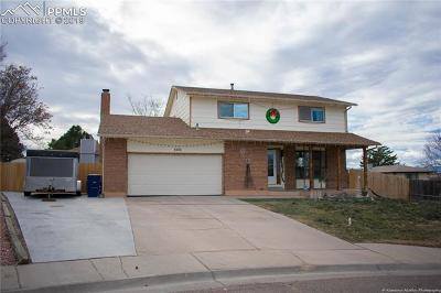 Single Family Home For Sale: 1102 Candytuft Court