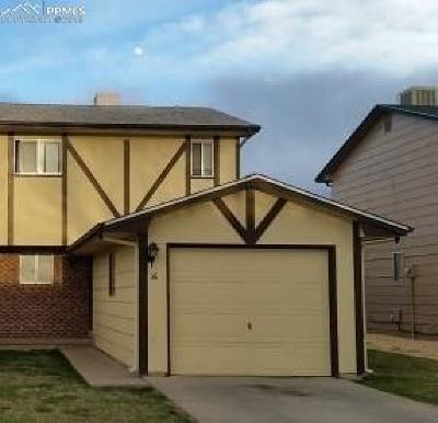 Pueblo Condo/Townhouse For Sale: 16 Castle Royal Drive