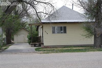 Single Family Home Under Contract - Showing: 216 N 1st Street