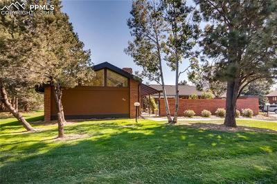 Colorado Springs Condo/Townhouse Under Contract - Showing: 2745 Fox Grove Court