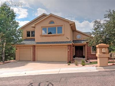 Colorado Springs Single Family Home For Sale: 1854 Oak Hills Drive