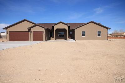 Pueblo West Single Family Home For Sale: 476 S Arriba Dr