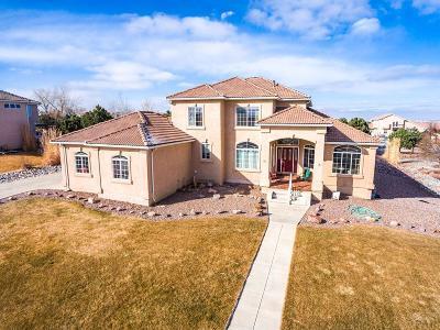 Pueblo Single Family Home For Sale: 42 Tierra Casa Dr