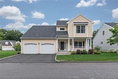 Stratford Single Family Home For Sale: 330 Maple Oak Drive #330