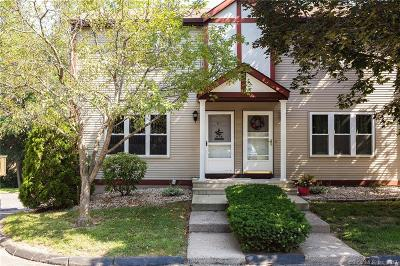 Plainville Condo/Townhouse For Sale: 71 White Oak Avenue #C1