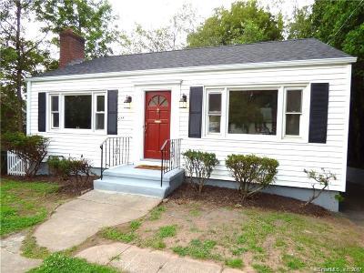 Hamden Single Family Home For Sale: 678 Pine Rock Avenue
