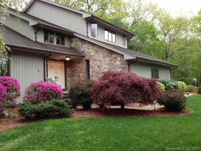 Cromwell Single Family Home For Sale: 11 Riverside Drive