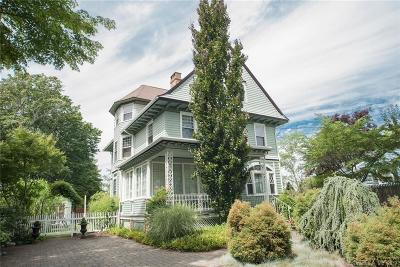 New London Single Family Home For Sale: 1065 Ocean Avenue