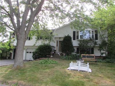 West Haven Single Family Home For Sale: 47 Shingle Hill Road