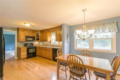 Farmington Single Family Home For Sale: 62 Cope Farms Road