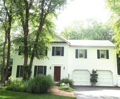 Cheshire Single Family Home For Sale: 252 Farm Meadow Lane