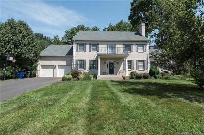 West Hartford Single Family Home For Sale: 28 Buckingham Lane