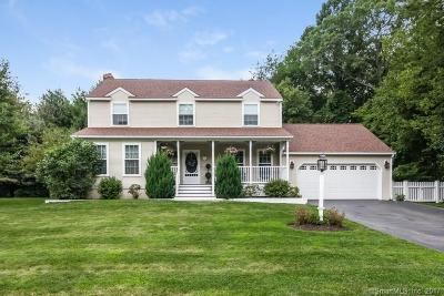 Clinton Single Family Home For Sale: 11 Colonial Drive