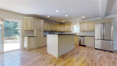 Oxford CT Single Family Home For Sale: $375,000