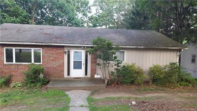 Bridgeport Single Family Home For Sale: 150 Pine Point Drive