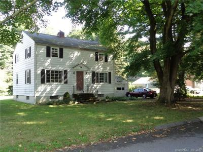 Trumbull Single Family Home For Sale: 14 Cottage Place