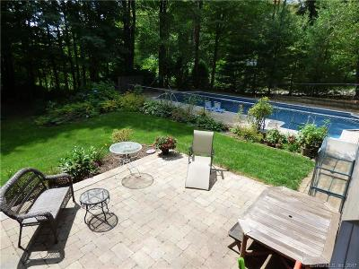 Southington Single Family Home For Sale: 112 Lee Drive