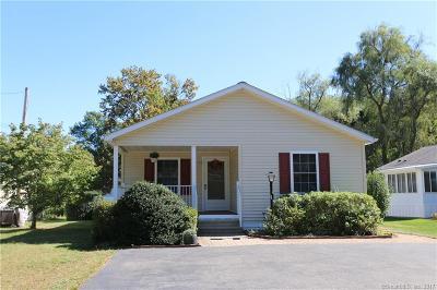 Southington Single Family Home For Sale: 45 Riverside Drive