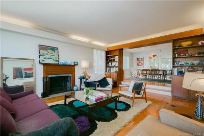 Bridgeport Single Family Home For Sale: 343 Sailors Lane
