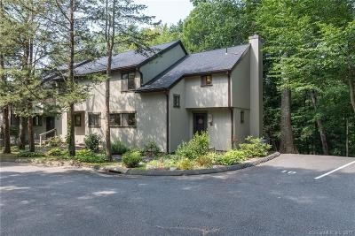 Woodbury Condo/Townhouse For Sale: 12 Deer Hill Court #12
