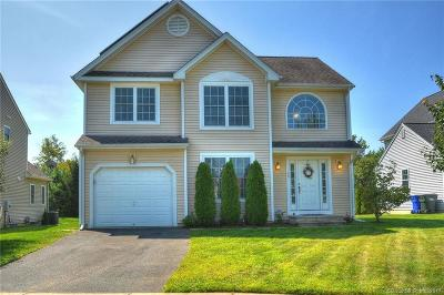 East Granby Single Family Home For Sale: 40 Schoolhouse Landing #40