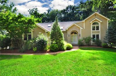 Windsor Single Family Home For Sale: 41 Pierce Boulevard