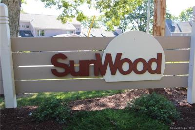 Shelton Condo/Townhouse For Sale: 23 Red Oak Circle #23