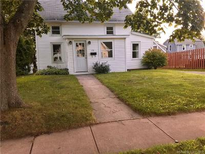 Manchester Single Family Home For Sale: 28 West Street