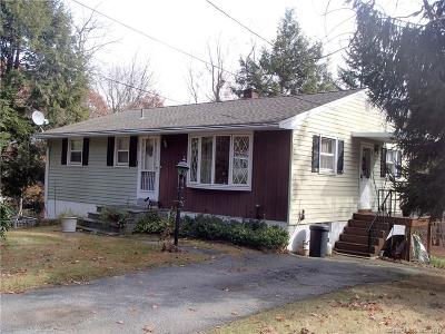 Wolcott Single Family Home For Sale: 828 Spindle Hill Road