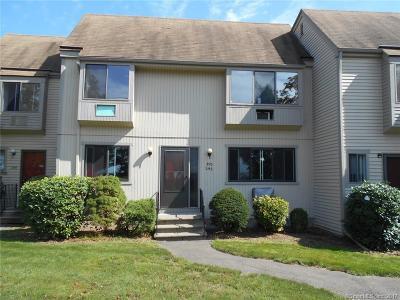 Meriden Condo/Townhouse For Sale: 560 Yale Avenue #293