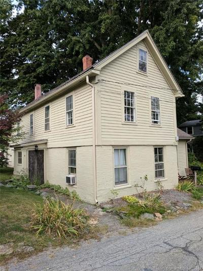 Norwich Single Family Home For Sale: 4 Old Cemetery Lane